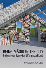 ISBN: 9781442614130 - Being Maori in the City